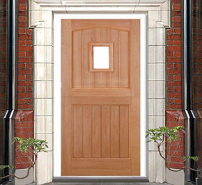 Does the entrance door open inward or outward?